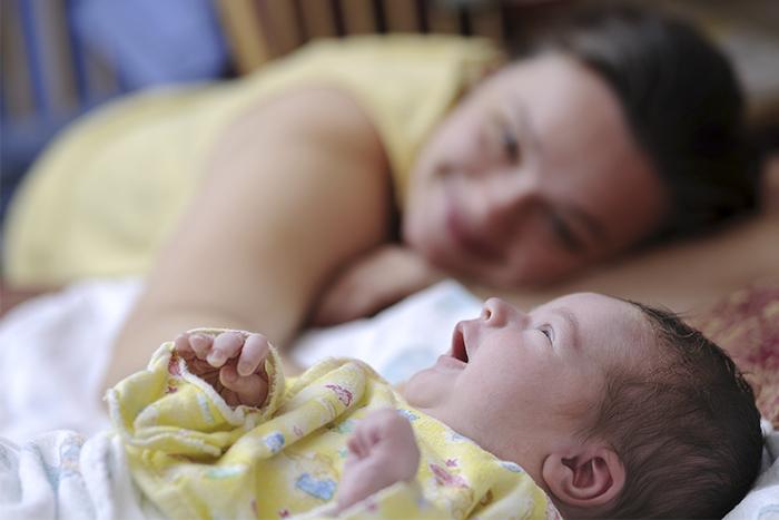 Mulher com bebé