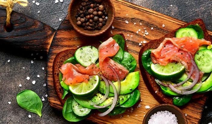 abacate com salmão