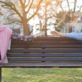 Formas de mostrar afecto sem abraços: uma nova relação com os seus netos