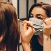 Nova estratégia para sair à rua maquilhada (e bonita), apesar da máscara
