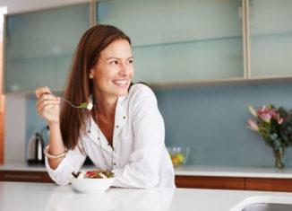 Controle os sintomas da menopausa com a alimentação